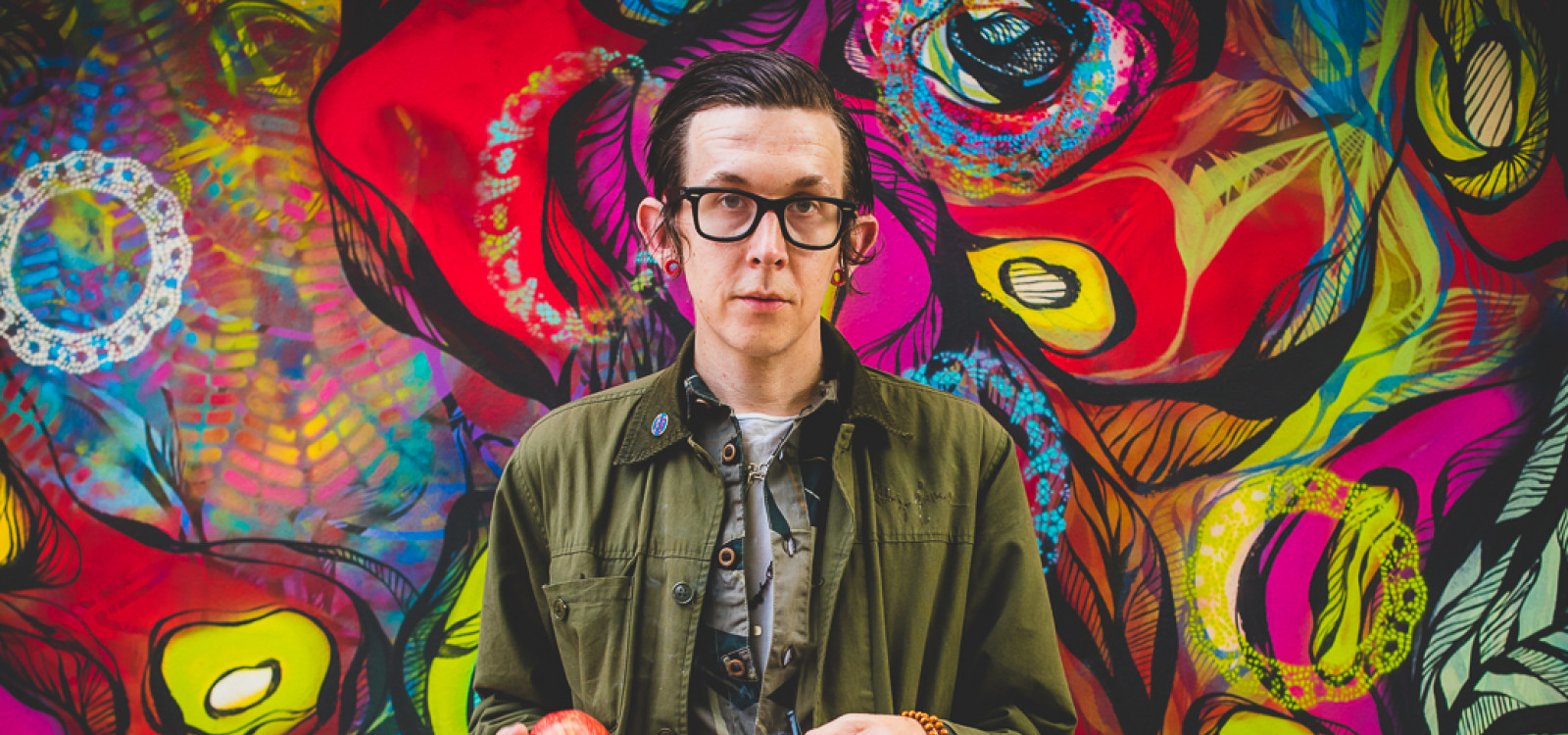 Micah P. Hinson Bologna 2017, street art and apple